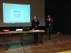 il Dirigente Scolastico dott. Antonio Colussi presenta il dott. Paolo Giorgiutti - Relatore